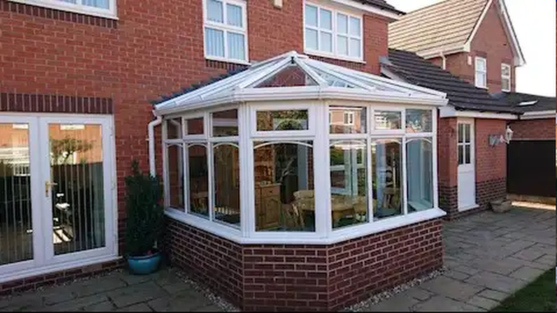 Arched-bar-Conservatory-Coventry